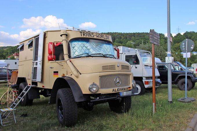 Mercedes LKW mit Schnorchel